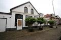 Woning in Sappemeer, Middenstraat op Direct Wonen: Deel 2-onder-1 kap met dubbele garage per direct te huur!