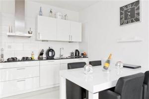 Bekijk appartement te huur in Nieuwerkerk Ad Ijssel Doortocht, € 1195, 60m2 - 387966. Geïnteresseerd? Bekijk dan deze appartement en laat een bericht achter!