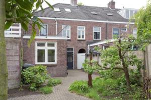 Bekijk woning te huur in Eindhoven Gestelsestraat, € 1750, 135m2 - 366053. Geïnteresseerd? Bekijk dan deze woning en laat een bericht achter!