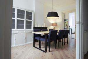 Bekijk appartement te huur in Den Haag Hooikade, € 2650, 145m2 - 378223. Geïnteresseerd? Bekijk dan deze appartement en laat een bericht achter!
