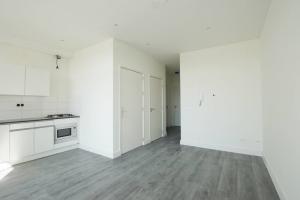 Bekijk appartement te huur in Rotterdam Groene Hilledijk, € 1295, 100m2 - 383675. Geïnteresseerd? Bekijk dan deze appartement en laat een bericht achter!