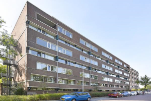 View apartment for rent in Leiderdorp Santhorst, € 1075, 94m2 - 379100. Interested? check out this apartment and leave a message!