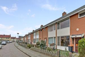 Bekijk woning te huur in Almelo A. Kuyperstraat, € 800, 95m2 - 360789. Geïnteresseerd? Bekijk dan deze woning en laat een bericht achter!