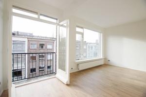 Bekijk appartement te huur in Rotterdam Hoogstraat: Gerenoveerd appartement - € 1100, 62m2 - 338664
