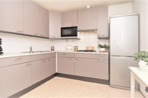 Bekijk appartement te huur in Delft P. Delftzicht, € 1750, 90m2 - 361252. Geïnteresseerd? Bekijk dan deze appartement en laat een bericht achter!