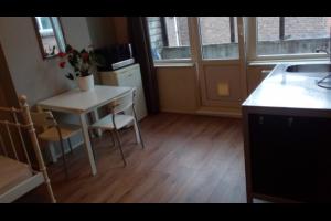 Bekijk studio te huur in Schiedam Lorentzlaan: Volledig gemeubileerde STUDIO voor 1 DAME  - € 380, 26m2 - 331304