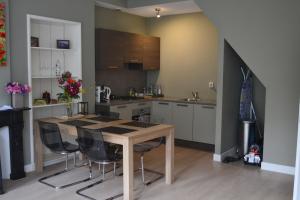 Bekijk appartement te huur in Leiden Hooigracht, € 1575, 75m2 - 378455. Geïnteresseerd? Bekijk dan deze appartement en laat een bericht achter!