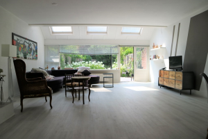 View house for rent in Utrecht Paul Huflaan, € 2200, 173m2 - 371557. Interested? check out this house and leave a message!