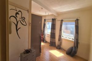 Bekijk kamer te huur in Enschede Pyrmontstraat, € 425, 25m2 - 393560. Geïnteresseerd? Bekijk dan deze kamer en laat een bericht achter!