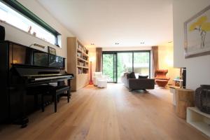 Bekijk woning te huur in Oranjewoud Cissy van Marxveldtlaan, € 1350, 180m2 - 376874. Geïnteresseerd? Bekijk dan deze woning en laat een bericht achter!