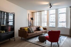 Bekijk appartement te huur in Amsterdam Warmoesstraat, € 2250, 95m2 - 382237. Geïnteresseerd? Bekijk dan deze appartement en laat een bericht achter!
