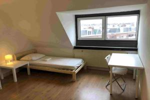Te huur: Kamer Westduinweg, Den Haag - 1