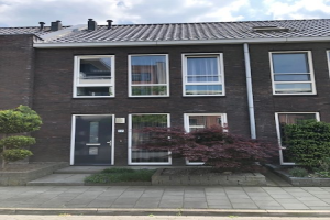 View house for rent in Almelo Noorderes, € 895, 110m2 - 367166. Interested? check out this house and leave a message!