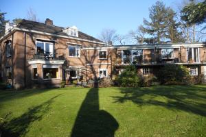 Bekijk appartement te huur in Hilversum Rossinilaan, € 2000, 140m2 - 342086. Geïnteresseerd? Bekijk dan deze appartement en laat een bericht achter!