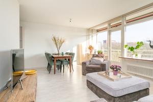 Bekijk appartement te huur in Utrecht Livingstonelaan, € 1350, 80m2 - 336623. Geïnteresseerd? Bekijk dan deze appartement en laat een bericht achter!