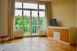 Bekijk appartement te huur in Den Haag Hart Nibbrigkade, € 1250, 80m2 - 396871. Geïnteresseerd? Bekijk dan deze appartement en laat een bericht achter!