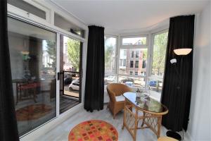 Bekijk appartement te huur in Den Haag Columbusstraat, € 980, 56m2 - 376844. Geïnteresseerd? Bekijk dan deze appartement en laat een bericht achter!