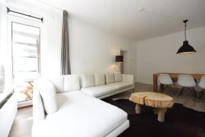 Bekijk appartement te huur in Rotterdam Mariniersweg, € 1295, 65m2 - 379117. Geïnteresseerd? Bekijk dan deze appartement en laat een bericht achter!