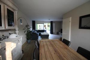 Bekijk woning te huur in Enschede Berriehoek, € 1190, 136m2 - 349535. Geïnteresseerd? Bekijk dan deze woning en laat een bericht achter!