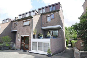 View house for rent in Utrecht A.v. Dalsumlaan, € 1500, 130m2 - 366487. Interested? check out this house and leave a message!
