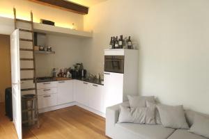 Bekijk appartement te huur in Amsterdam Barndesteeg, € 1500, 46m2 - 370972. Geïnteresseerd? Bekijk dan deze appartement en laat een bericht achter!
