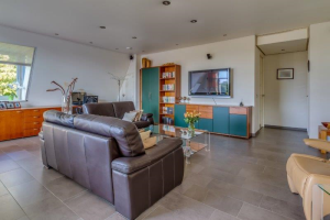 View apartment for rent in Nijmegen Ubbergseveldweg, € 1995, 127m2 - 385513. Interested? check out this apartment and leave a message!