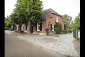 Bekijk woning te huur in Best Steenovenseweg: Woonboerderij - € 1375, 190m2 - 295563