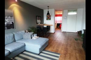 Bekijk appartement te huur in Leiderdorp Merelstraat: Een gestoffeerd 3 slaapkamer appartement - € 1250, 93m2 - 293654