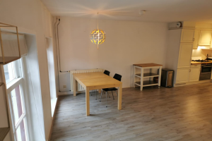 View apartment for rent in Den Bosch Dode Nieuwstraat, € 1195, 81m2 - 376582. Interested? check out this apartment and leave a message!