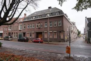 Bekijk kamer te huur in Tilburg Dr. Nolensstraat, € 315, 10m2 - 362209. Geïnteresseerd? Bekijk dan deze kamer en laat een bericht achter!