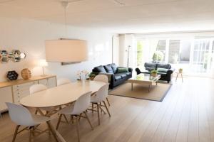Bekijk woning te huur in Amstelveen Gaasterland, € 2300, 140m2 - 341351. Geïnteresseerd? Bekijk dan deze woning en laat een bericht achter!