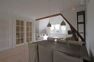 Bekijk appartement te huur in Den Haag R.J. Schimmelpennincklaan, € 2450, 113m2 - 364059. Geïnteresseerd? Bekijk dan deze appartement en laat een bericht achter!