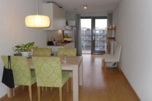 Bekijk appartement te huur in Amsterdam Julius Pergerstraat, € 1150, 70m2 - 338968. Geïnteresseerd? Bekijk dan deze appartement en laat een bericht achter!