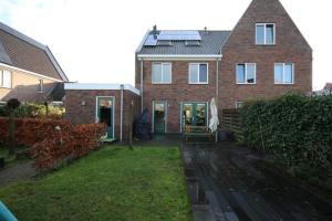 Bekijk woning te huur in Groningen Kleiwerd: Zeer ruime twee-onder-een-kapwoning met 5 slaapkamers! - € 1600, 175m2 - 339048
