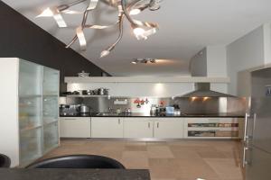Bekijk woning te huur in Breda Nonnenveld, € 2750, 168m2 - 350378. Geïnteresseerd? Bekijk dan deze woning en laat een bericht achter!