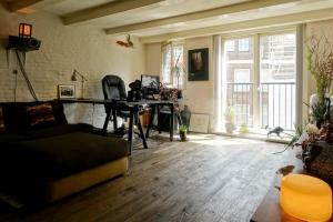 Bekijk appartement te huur in Amsterdam Koggestraat, € 1625, 75m2 - 290716. Geïnteresseerd? Bekijk dan deze appartement en laat een bericht achter!