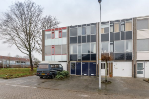 View house for rent in Enschede Borggrevelanden, € 995, 127m2 - 366574. Interested? check out this house and leave a message!