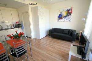 Bekijk appartement te huur in Den Haag Suezkade, € 735, 33m2 - 368205. Geïnteresseerd? Bekijk dan deze appartement en laat een bericht achter!