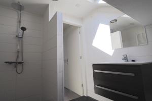 Bekijk kamer te huur in Rotterdam Spitsenhagen, € 535, 15m2 - 380285. Geïnteresseerd? Bekijk dan deze kamer en laat een bericht achter!