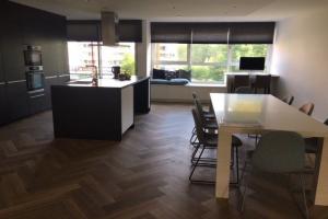 Bekijk woning te huur in Amsterdam Beysterveld, € 4500, 200m2 - 340408. Geïnteresseerd? Bekijk dan deze woning en laat een bericht achter!