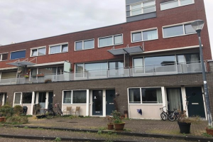 View house for rent in Haarlem Justine de Gouwerhof, € 1600, 75m2 - 381672. Interested? check out this house and leave a message!