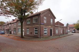 Bekijk kamer te huur in Tilburg Melis Stokestraat, € 325, 14m2 - 362208. Geïnteresseerd? Bekijk dan deze kamer en laat een bericht achter!
