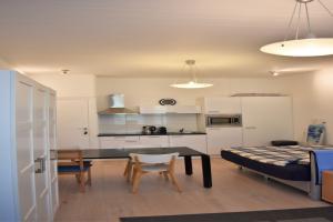 Bekijk studio te huur in Rotterdam Heemraadssingel, € 795, 25m2 - 368503. Geïnteresseerd? Bekijk dan deze studio en laat een bericht achter!