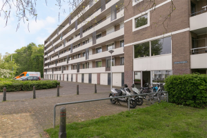 View apartment for rent in Maastricht Kroesmeestersdreef, € 975, 97m2 - 378301. Interested? check out this apartment and leave a message!