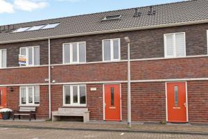 Bekijk woning te huur in Arnhem Castorstraat, € 1275, 107m2 - 362322. Geïnteresseerd? Bekijk dan deze woning en laat een bericht achter!