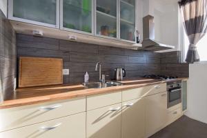 Bekijk appartement te huur in Rotterdam Pleinweg, € 1325, 92m2 - 362178. Geïnteresseerd? Bekijk dan deze appartement en laat een bericht achter!