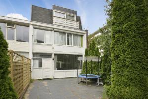 Bekijk woning te huur in Amstelveen Markerstraat, € 2500, 170m2 - 343120. Geïnteresseerd? Bekijk dan deze woning en laat een bericht achter!