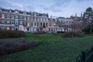 Bekijk woning te huur in Den Haag Sweelinckplein, € 3250, 197m2 - 358416. Geïnteresseerd? Bekijk dan deze woning en laat een bericht achter!