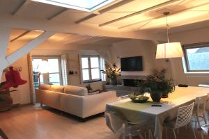 Bekijk kamer te huur in Haarlem Koningstraat, € 800, 22m2 - 336620. Geïnteresseerd? Bekijk dan deze kamer en laat een bericht achter!