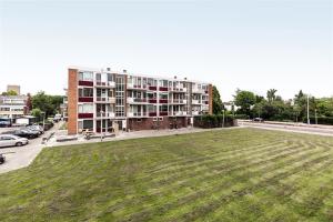 Bekijk appartement te huur in Capelle Aan Den Ijssel Slotlaan, € 1495, 80m2 - 352037. Geïnteresseerd? Bekijk dan deze appartement en laat een bericht achter!
